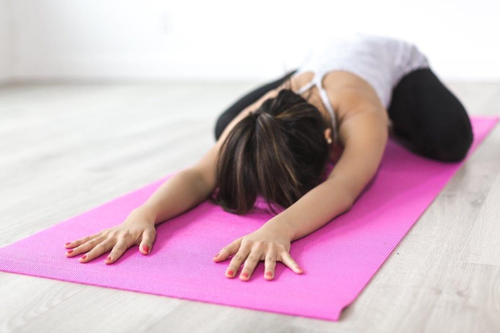 Yoga gegen Reden im Schlaf.