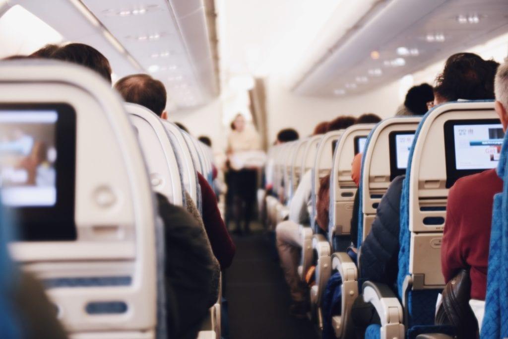 Nackenkissen im Flugzeug
