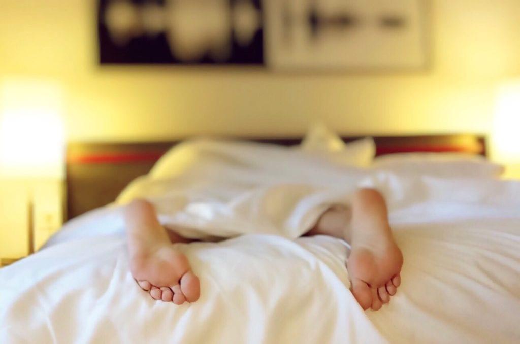 Sabbern im Schlaf - Bauchlage