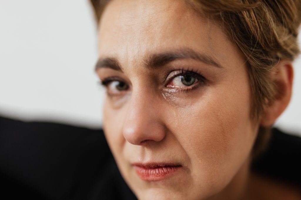 Tränenfluss - Schlafen mit offenen Augen