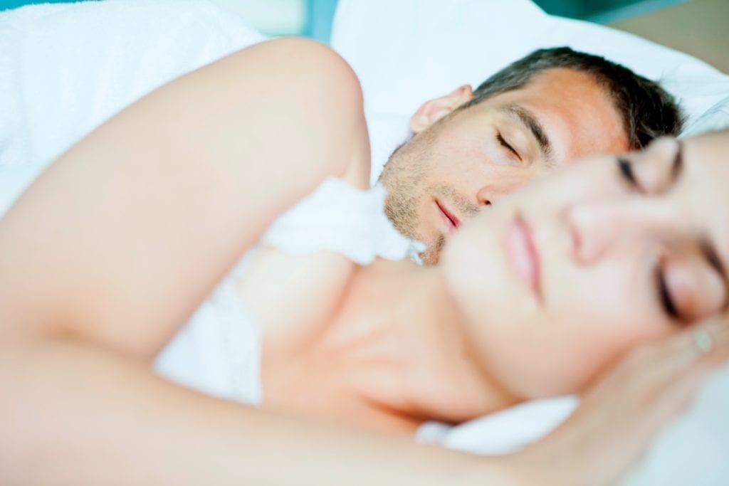 Nackt schlafen - Beziehung