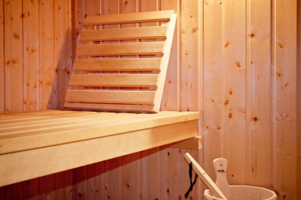 Sauna - Holzablage