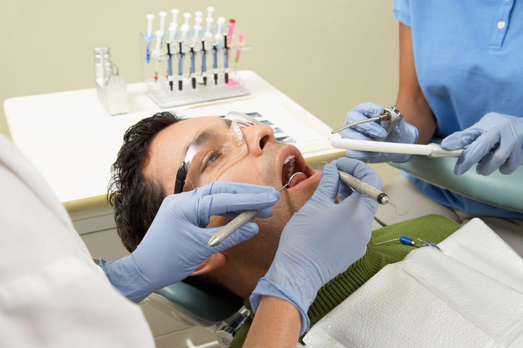 Trockener Mund - Zähne