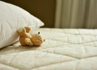 Gelbe Flecken auf Matratze