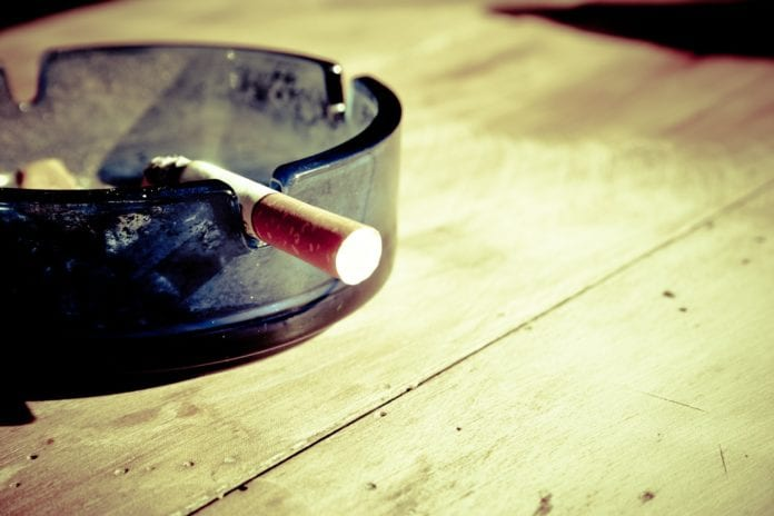 Schnarchen durch rauchen