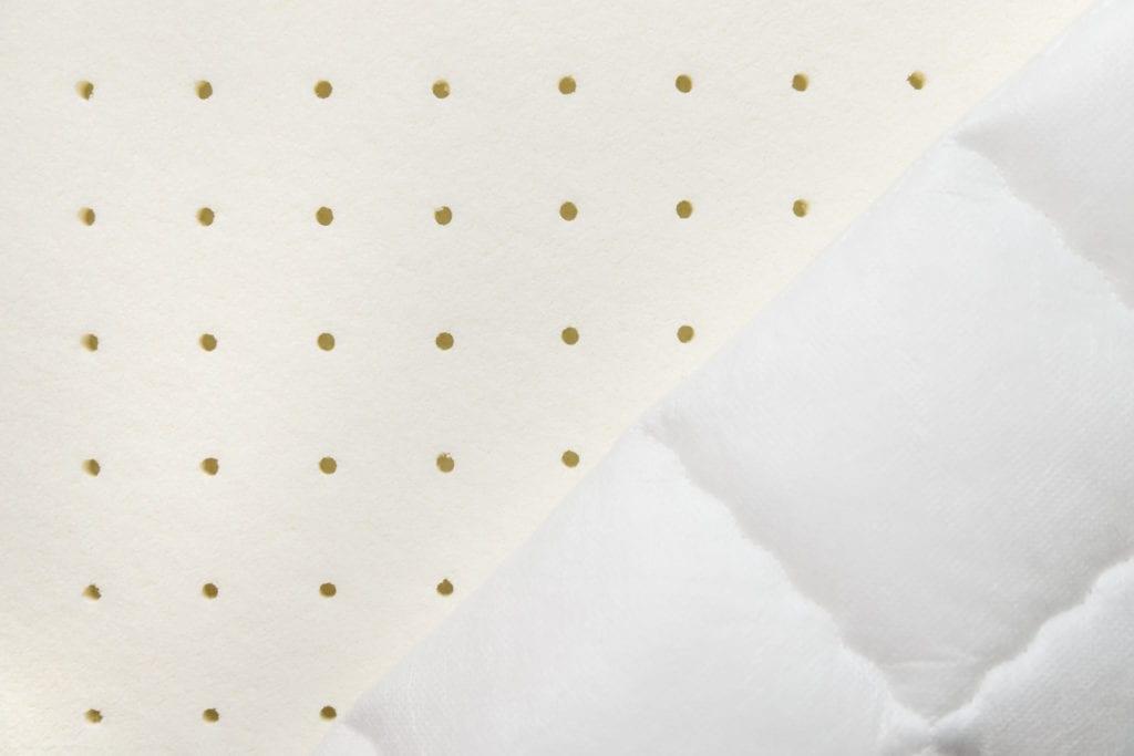 Matratze mit Luftkanälen