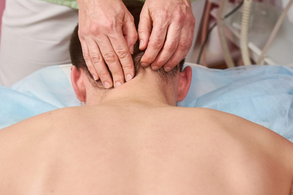 Hand - Nackenmassage